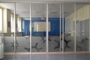 Presklené deliace steny